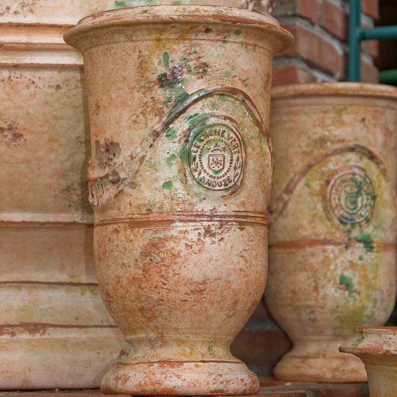 poterie le ch ne vert vase d 39 anduze de forme allong e. Black Bedroom Furniture Sets. Home Design Ideas